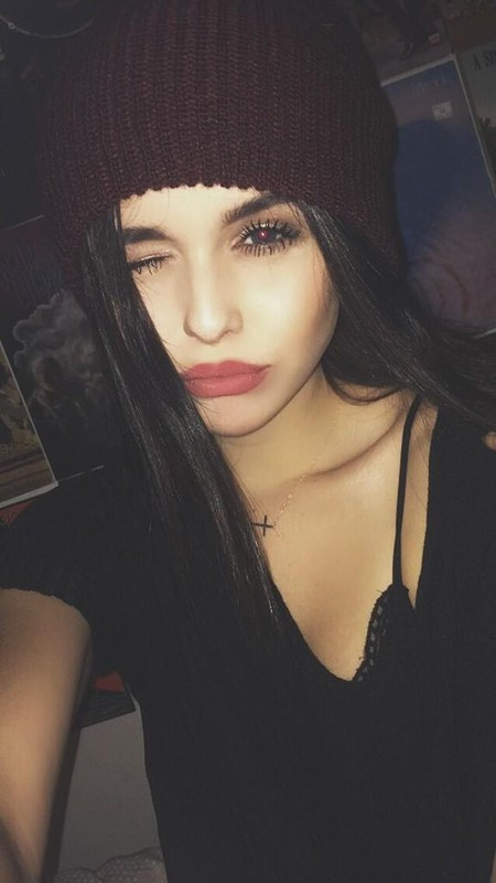 27a599f8117ac Acacia Brinley s Photo (Photos)